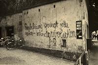 "Graffiti ""frauenbefreiung sprengt jede nation - internationale revolution"""